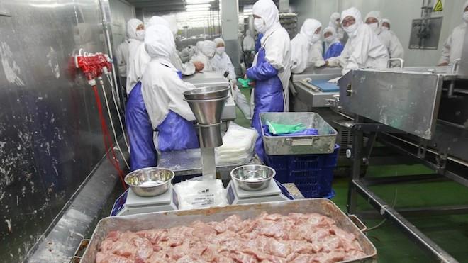 Carne expirată din Belgia în cârnațul moldav